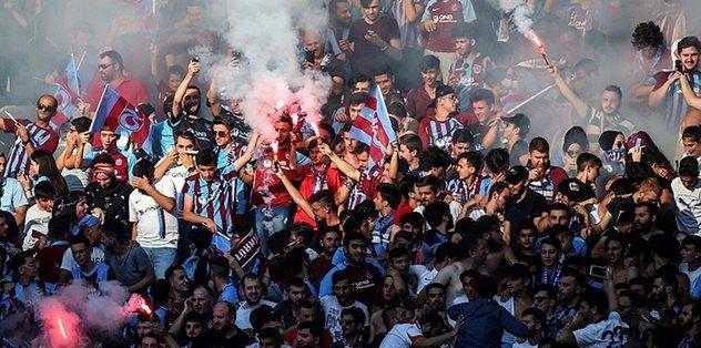 Trabzonspor taraftarından büyük yürüyüş