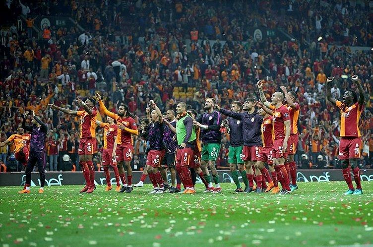 Galatasaray'da Fatih Terim Lucescu'dan sonra ilki başardı