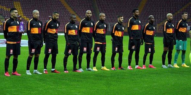 Galatasaraylı yıldızdan flaş sözler! ''Maçlara çıkmama kararı almıştık''
