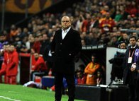 Galatasaray'da iki yıldızla yollar ayrılıyor