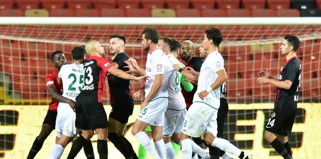 Süper Lig'den 4 kulüp PFDK'ya sevk edildi - Futbol -
