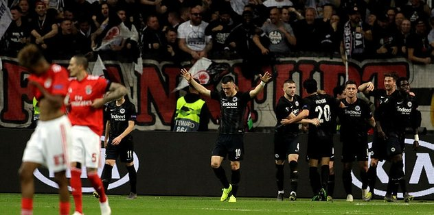 Benfica'ya şok! Eintracht Frankfurt yarı finalde