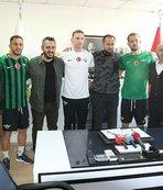 Akhisarspor'da 3 transfer için imza töreni yapıldı