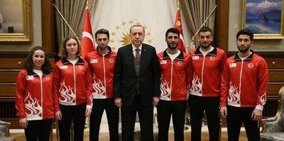 Cumhurbaşkanı Erdoğan, 23. Kış Olimpiyat Oyunları'na katılacak Milli Sporcuları kabul etti