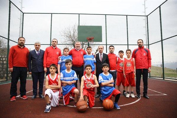 """Bakan Osman Aşkın Bak: """"Gençlerimiz, sporun gücünün terörü yendiği bir ortamda yaşıyor"""""""