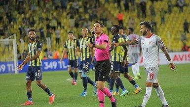 Fenerbahçe Antalyaspor maçında tartışma yaratan pozisyon! Antalyasporlu futbolcular penaltı bekledi