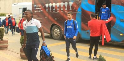 Trabzonspor kafilesi, Manisa'ya gitti