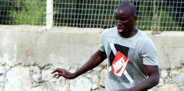 Beşiktaş'ın transfer gündemindeki Demba Ba Shanghai Shenhua'ya transfer oldu