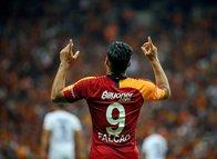 Galatasaray'da Falcao gerçekleri! Oynamamasının sebebi taraftar...