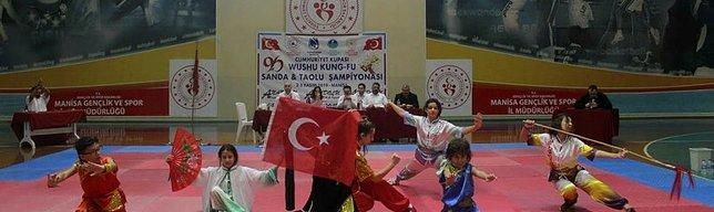 Cumhuriyet Kupası'nın sahibi Yunusemre Belediyespor oldu