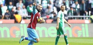 Burak Yılmaz, Trabzonspor'u geçti