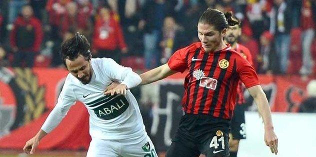 Beşiktaş'ın Mehmet Özcan pazarlığı