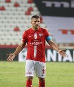 Podolski Trabzon'da yok
