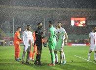 Alanyaspor - Antalyaspor maçına damga vuran karar!