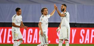 real madrid 2 0 deportivo alaves mac sonucu 1594419978222 - Real Madrid maçına damga vuran kare! Gareth Bale tribünde uyudu