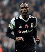 Beşiktaş'ın kaptanı Atiba Hutchinson imzayı attı!