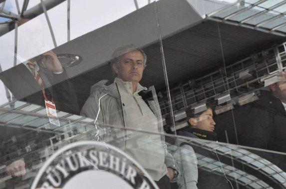 Sosyal medyada Mourinho geyikleri