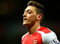 Almanlar ve İngilizler Mesut Özil'e karşı saldırıya geçti