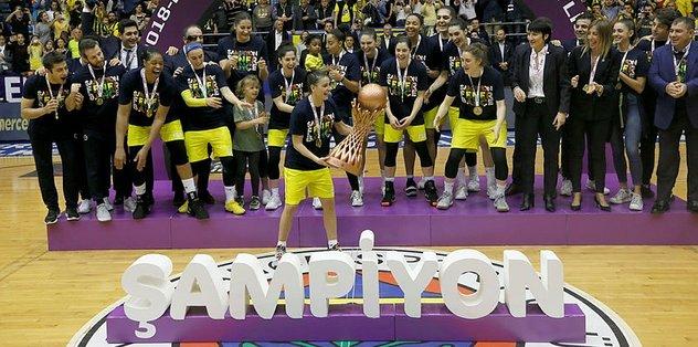 Çukurova'yı 80-68 mağlup eden Fenerbahçe şampiyon oldu!