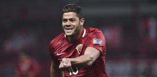 hulk teklif aldim 1595959084598 - Emre Akbaba Galatasaray'la olan sözleşmesini uzatmaya yakın!