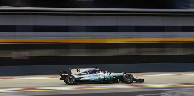Singapur GP'de zafer Hamilton'ın
