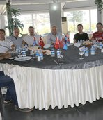 Trabzonsporlu eski futbolcular kulübü ziyaret etti