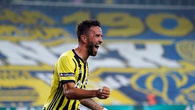 Son dakika transfer haberleri: Fenerbahçe'den ayrılan Gökhan Gönül Çaykur Rizespor ile anlaştı