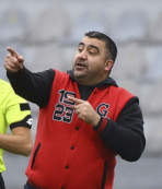 Özat: Ali Koç stadın önünden geçemez