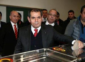Galatasaray'dan Dursun Özbek geçti