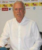 """Mustafa Denizli: """"Süper Lig'e çıkma şansını kaçırmayacağız''"""