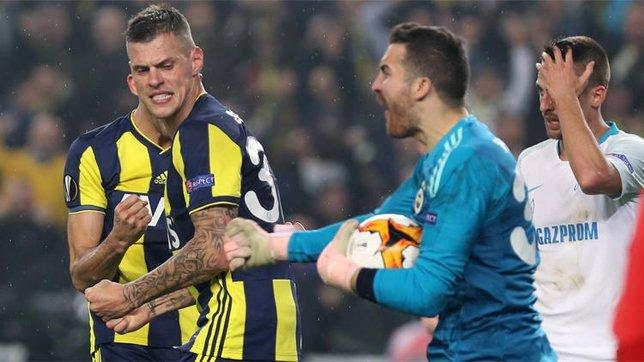 Harun penaltıyı kurtardığında Volkan Demirel...