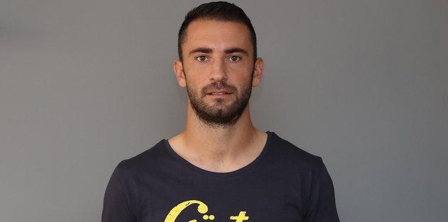 Göztepe'de Kosanovic imzayı attı