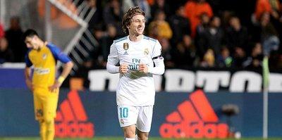 Modric'in başı belada!