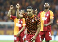Galatasaray'dan Fenerbahçe'ye büyük fark! Falcao...