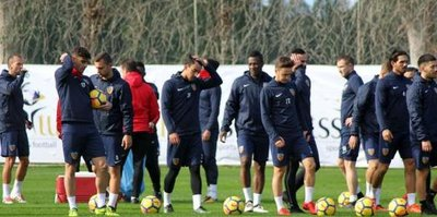 Kayserispor, Antalya kampına start verdi