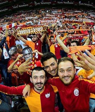 Galatasaray 99 gün sonra taraftarıyla buluştu