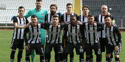 Manisaspor'da futbolcular ödeme bekliyor