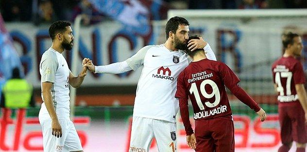 Medipol Başakşehir Trabzonspor'u konuk ediyor