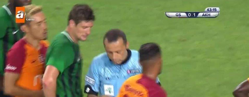 Cüneyt Çakır Galatasaray - Akhisarspor maçında VAR'a gitti!