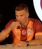 Lukas Podolski'den Fenerbahçelileri kızdıran paylaşım