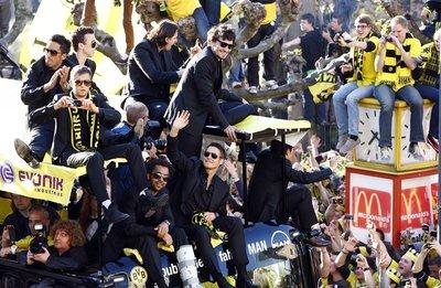 Dortmunddan şampiyonluk turu