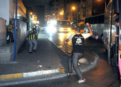 Fenerbahçe - PAOK maçında olaylar çıktı