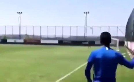 Aytaç Kara'ya antrenmanda Galatasaray tezahüratı!