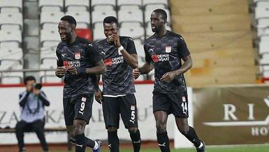 Son dakika spor haberi: Sivassporlu Yatabare ligdeki 9. golünü attı