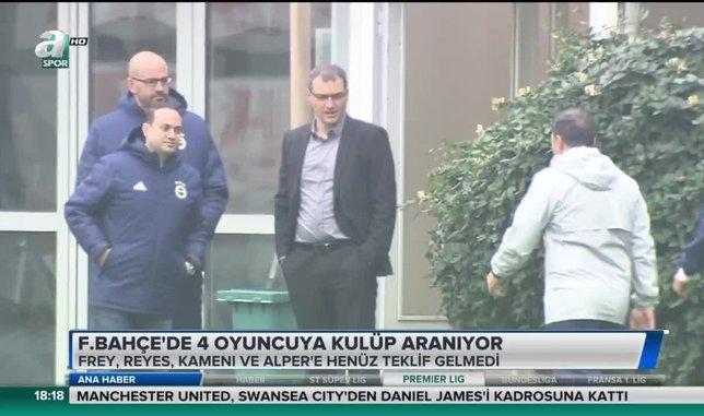 Fenerbahçe'de 4 oyuncuya kulüp aranıyor