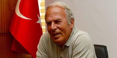 Mustafa Denizli'nin Traktör Sazi'si seyirci sıralamasında zirvede