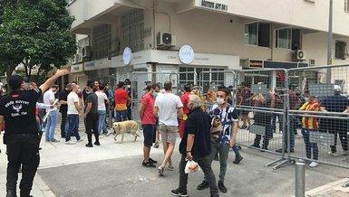 Göztepe'de taraftar stada girmeyi bekliyor