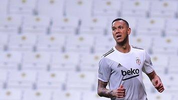 Josef de Souza dönüyor