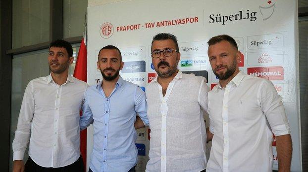 Antalya'da 3 imza atıldı