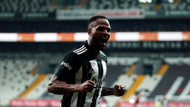 Besiktas on brink of Super Lig title with 7-0 win, Larin on fire